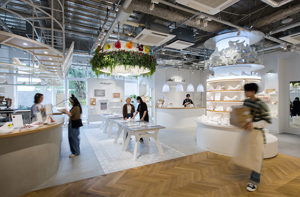 White atelier BY CONVERSE 福岡店 様